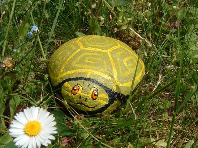 Pintar piedras foro de infojardn for Piedras pintadas para jardin